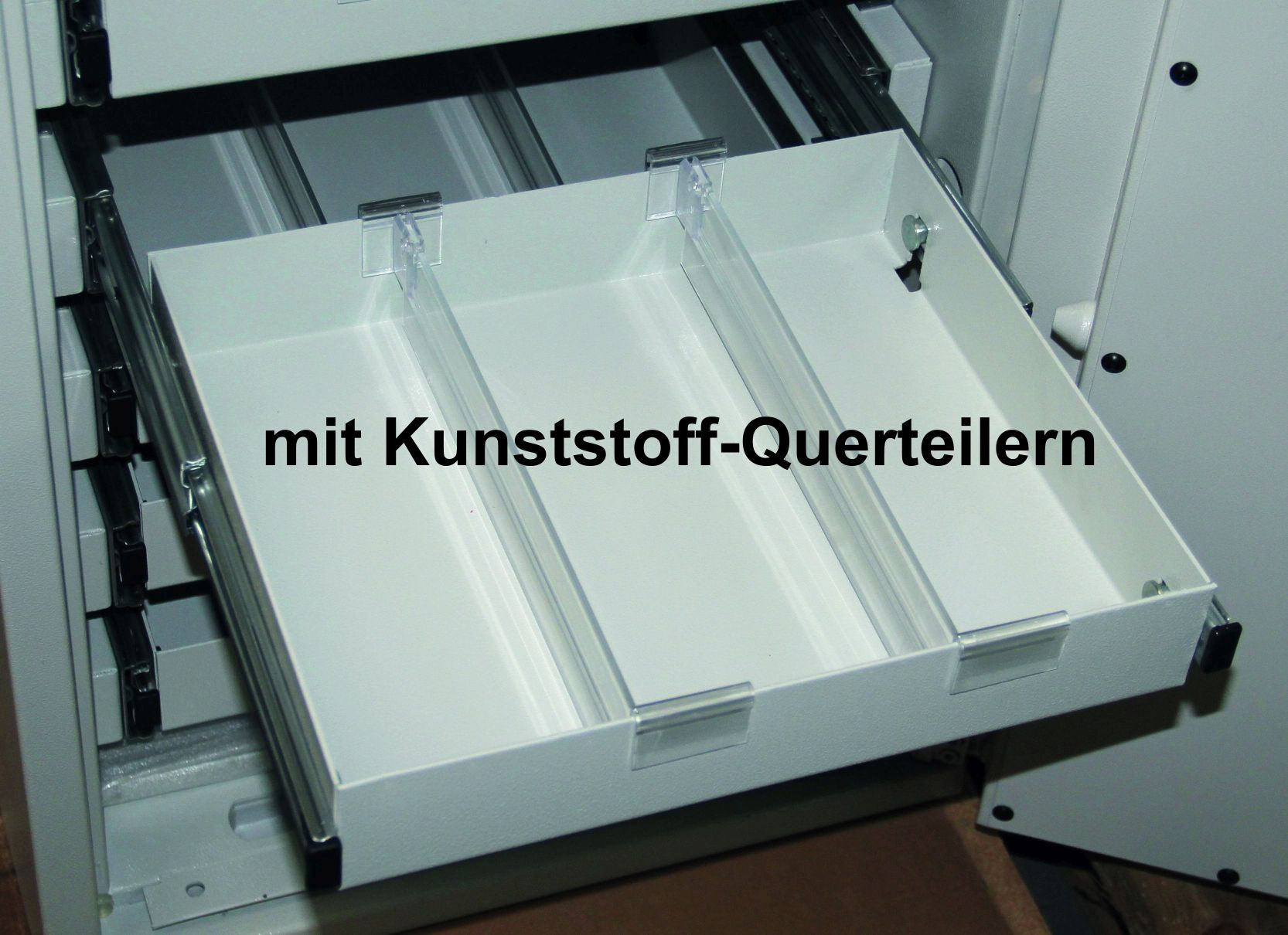 mit Kunststoff-Querteiler + 69,00 EUR ab  1.513,00 €